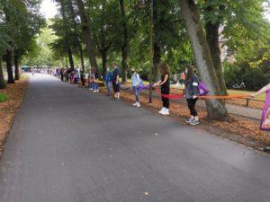 Menschenkette auf der Promenade